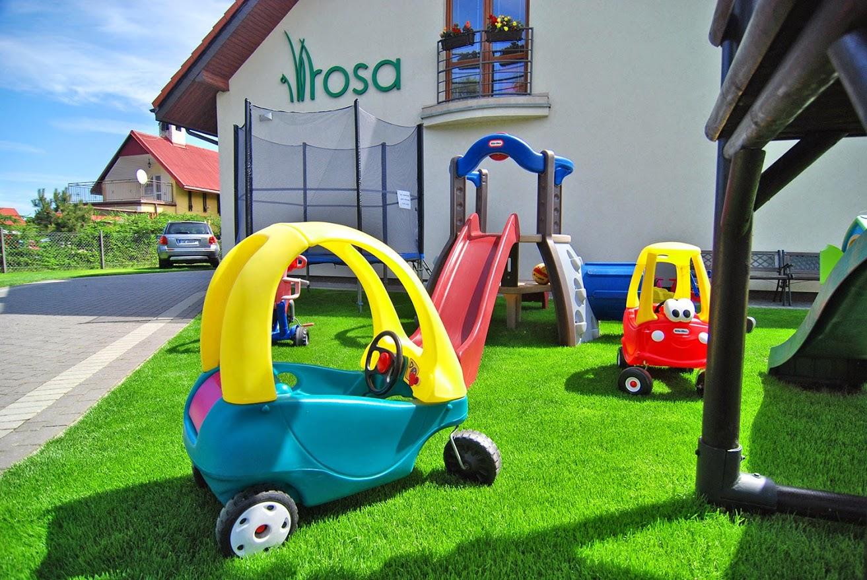 Rowy - Pokoje i apartamenty ROSA - plac zabaw